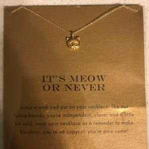 NWT cat necklace